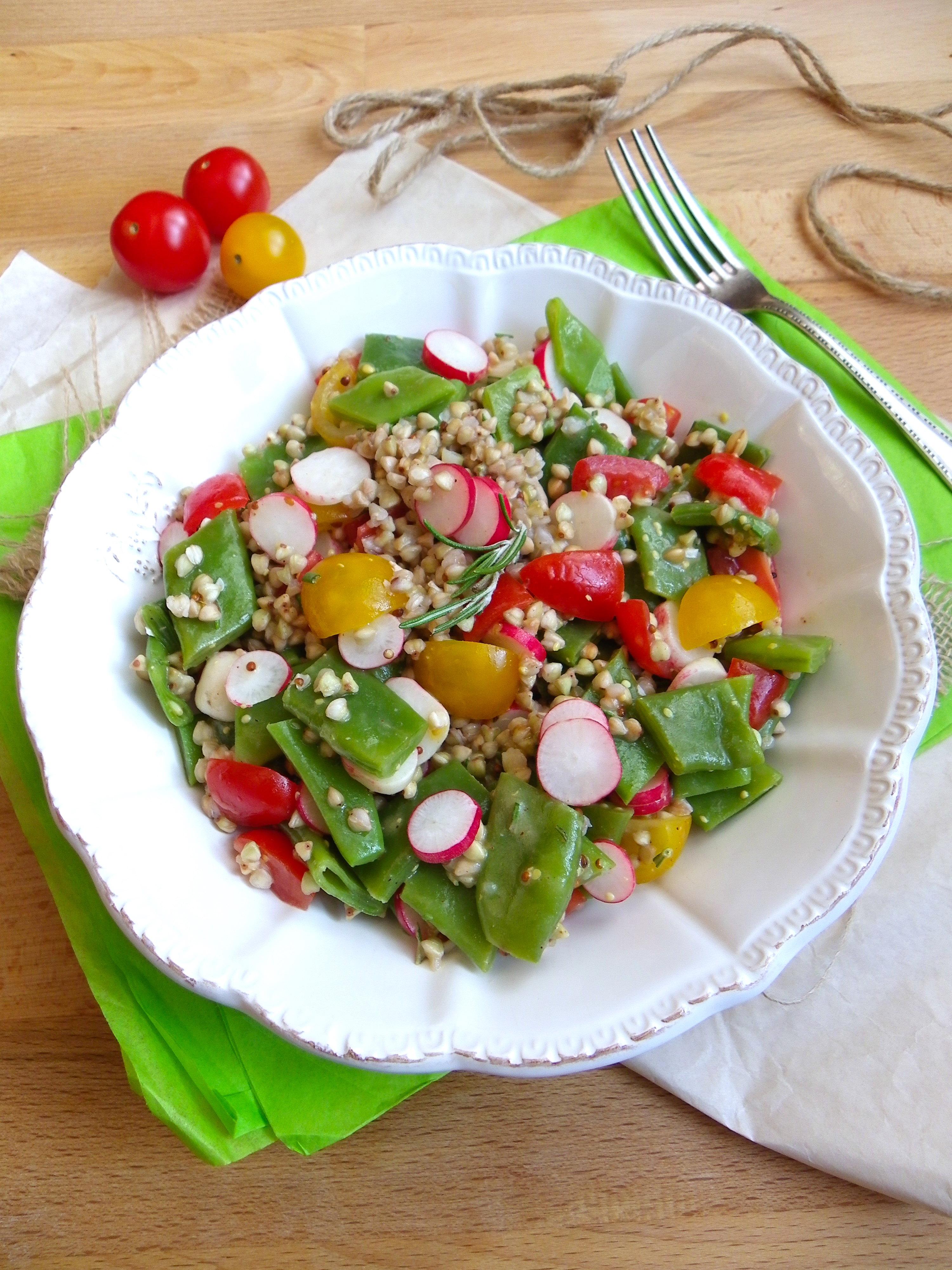 salade de sarrasin haricots plats tomates cerises et radis roses recette vegan pratique. Black Bedroom Furniture Sets. Home Design Ideas