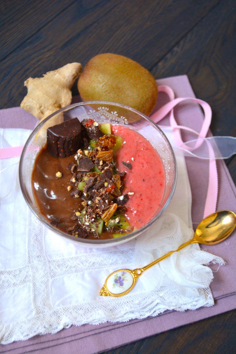 Crèmes aux fraises, kiwi, rhubarbe et cacao