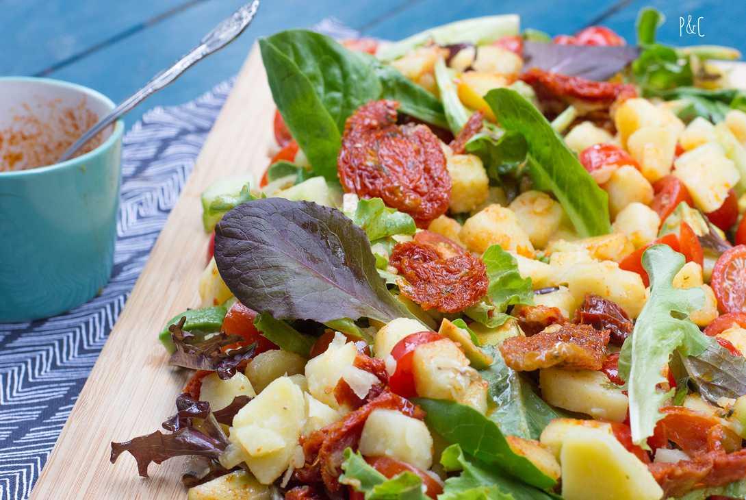 Salade d 39 t aux pommes de terre recette vegan pratique - Salade d ete composee ...