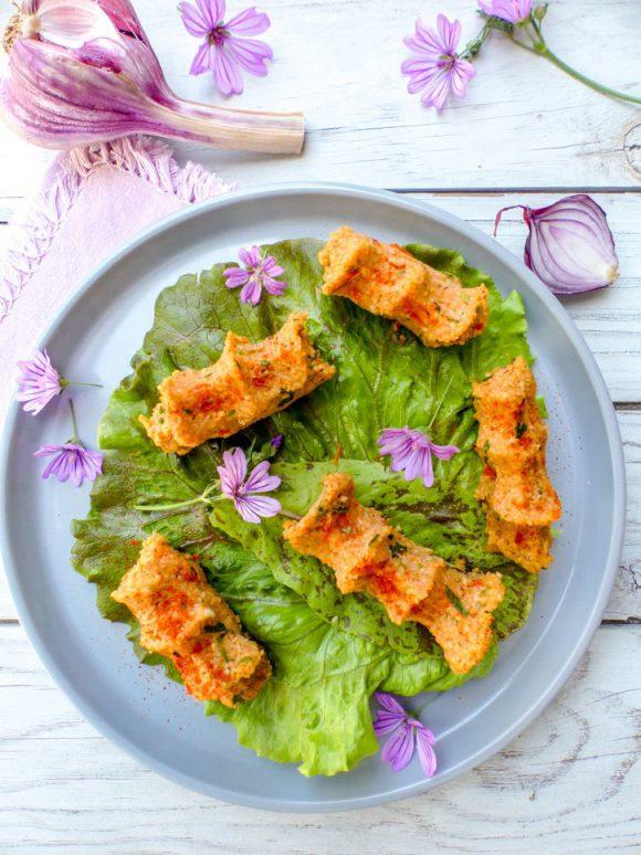 Çiğ köfte et petite salade